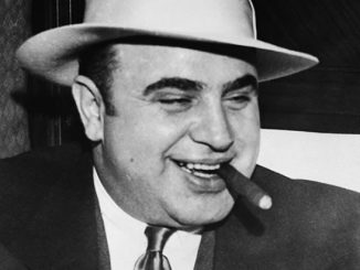 screw magazine - al capone story by phil autelitano